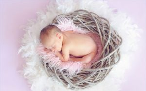 10 Must-Haves Items for Starting a Career in Newborn Photography